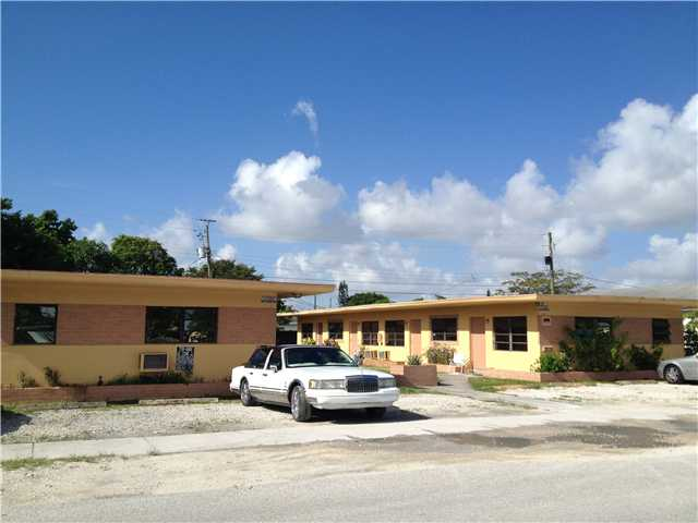 6208 Dawson St, Hollywood, FL 33023
