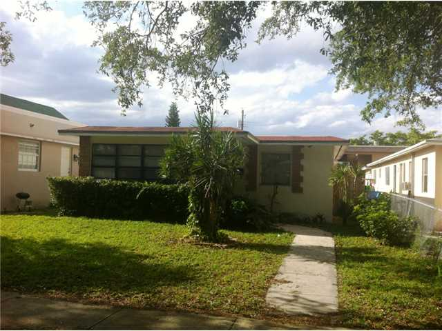 1833 Jefferson St, Hollywood, FL 33020