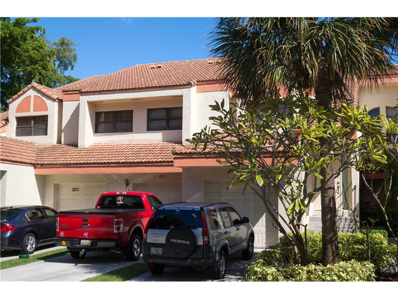 3207 Laurel Oaks Ln # 303, Hollywood, FL 33021
