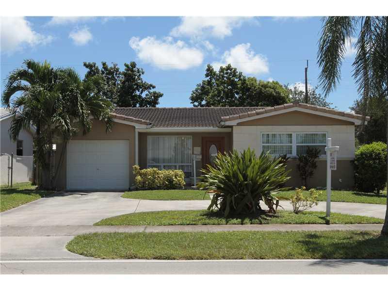 Real Estate for Sale, ListingId: 28829176, Hollywood,FL33021