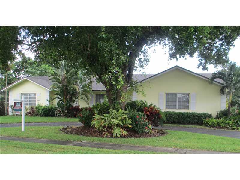 321 W Tropical Way, Plantation, FL 33317