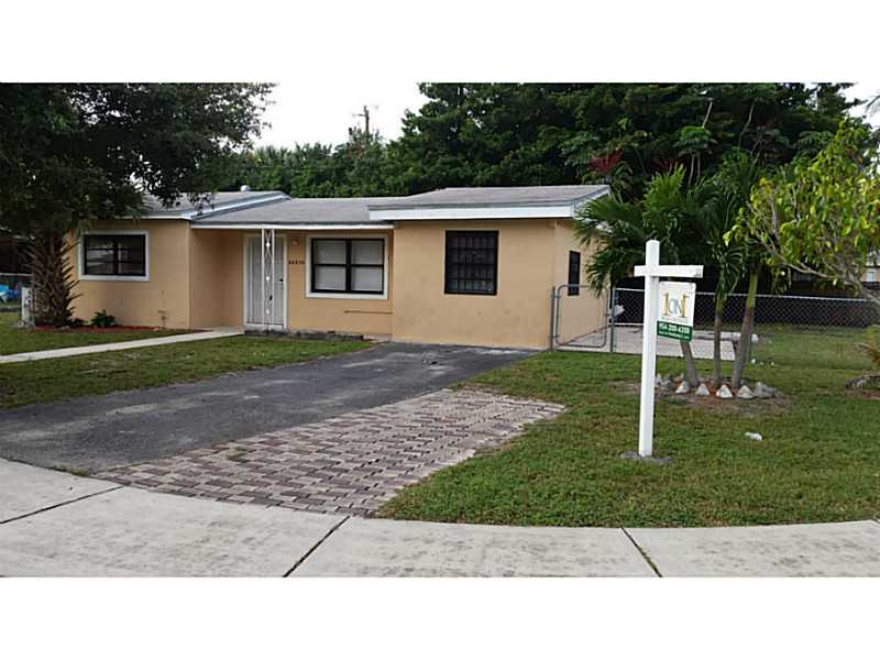 20530 NW 21st Ave, Miami Gardens, FL 33056