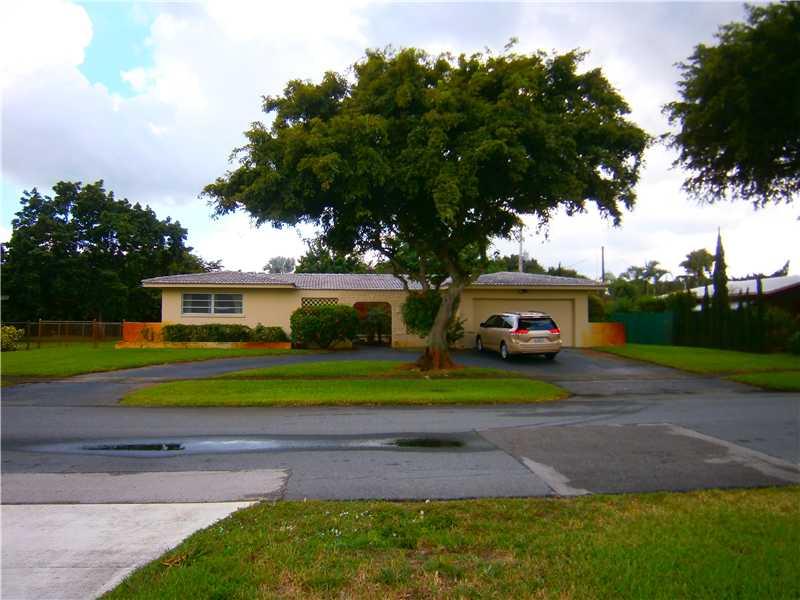 5532 SW 2nd St, Plantation, FL 33317