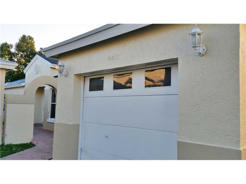 4410 Sw 72nd Way, Fort Lauderdale, FL 33314