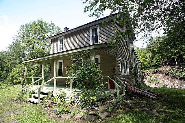 1352 Pine Mill Rd, Equinunk, PA 18417