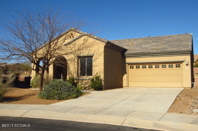 2089 W Demetrie Canyon Dr, Green Valley, AZ 85622