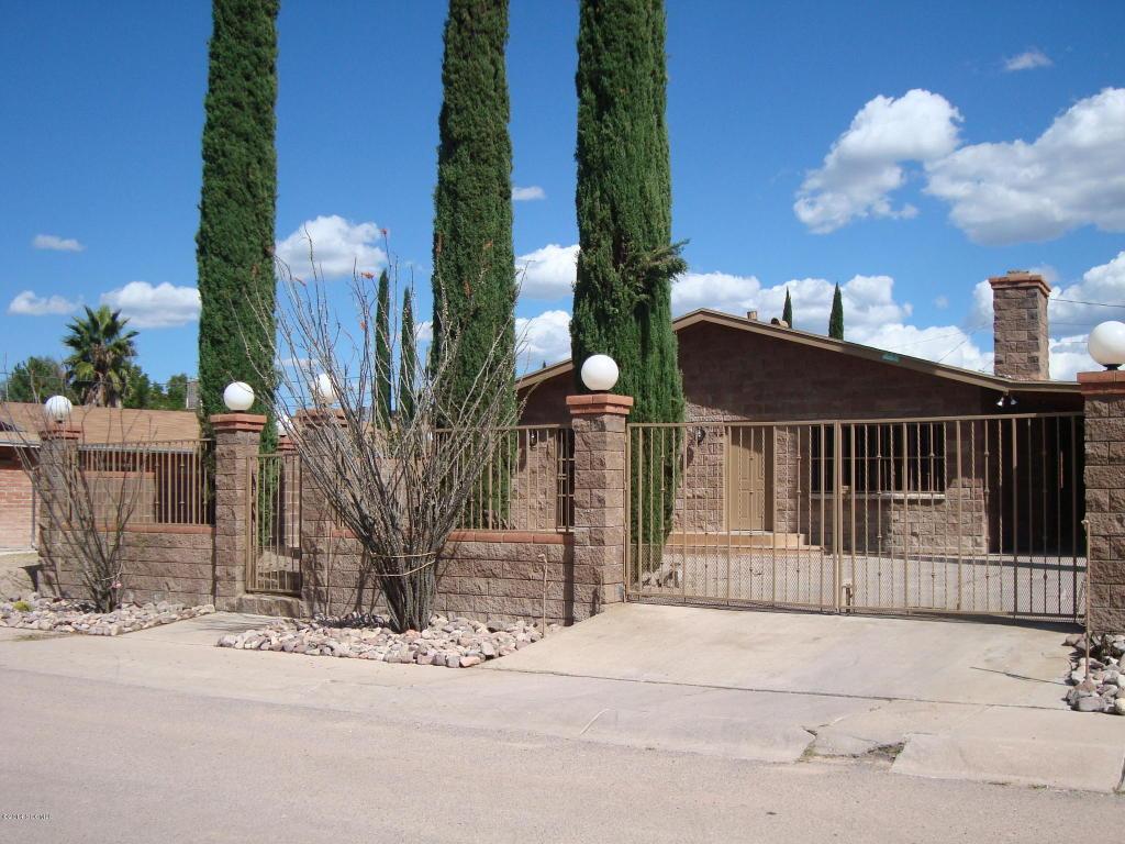 340 N Adams St, Nogales, AZ 85621