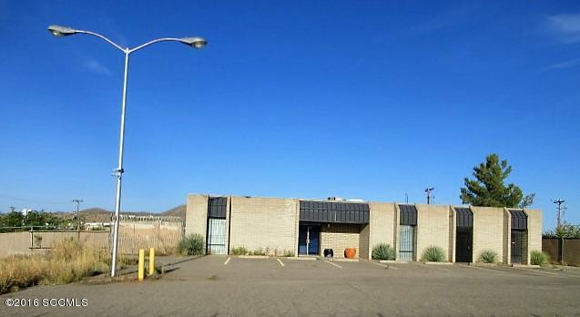 1370 W Fairway Dr, Nogales, AZ 85621