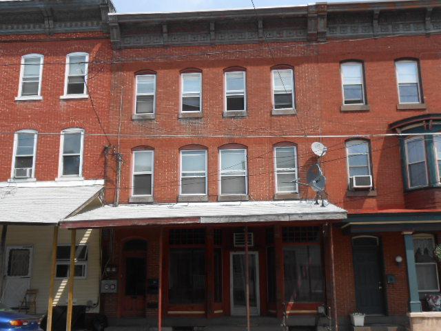 28 Main St, Tremont, PA 17981
