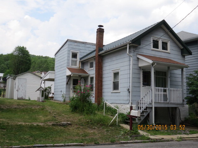 29 Spring St, Tremont, PA 17981