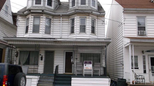 34 Valley St, New Philadelphia, PA 17959