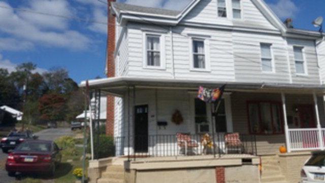 80 Wiggan St, New Philadelphia, PA 17959