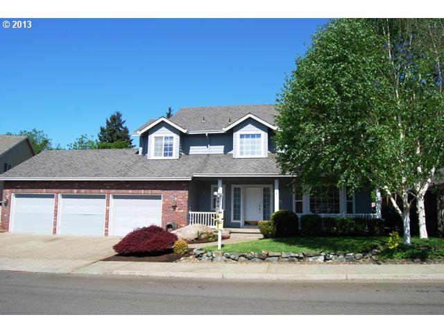 575 Barbary Pl, Gladstone, OR 97027