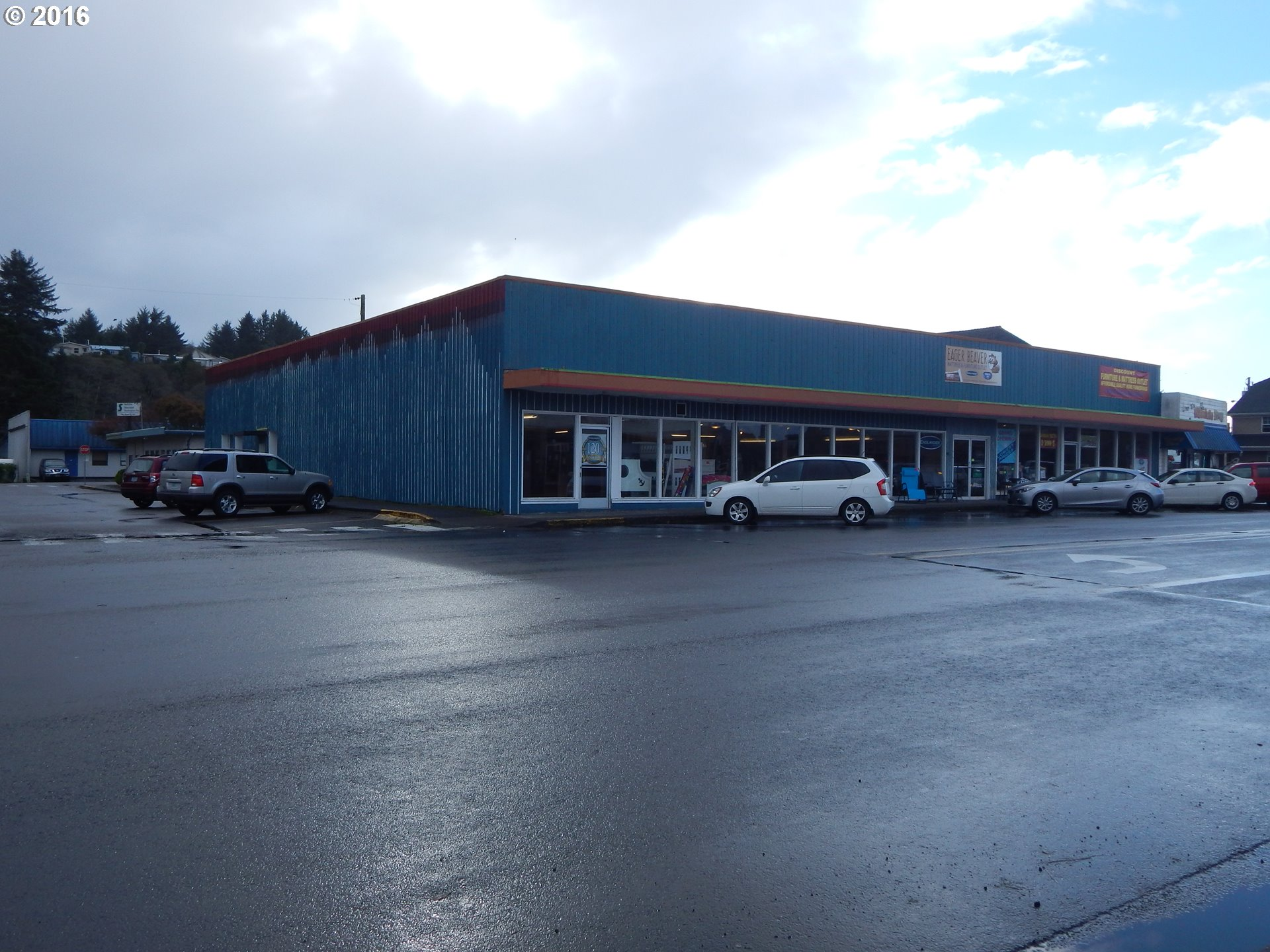 545 Nw Hemlock St, Waldport, OR 97394