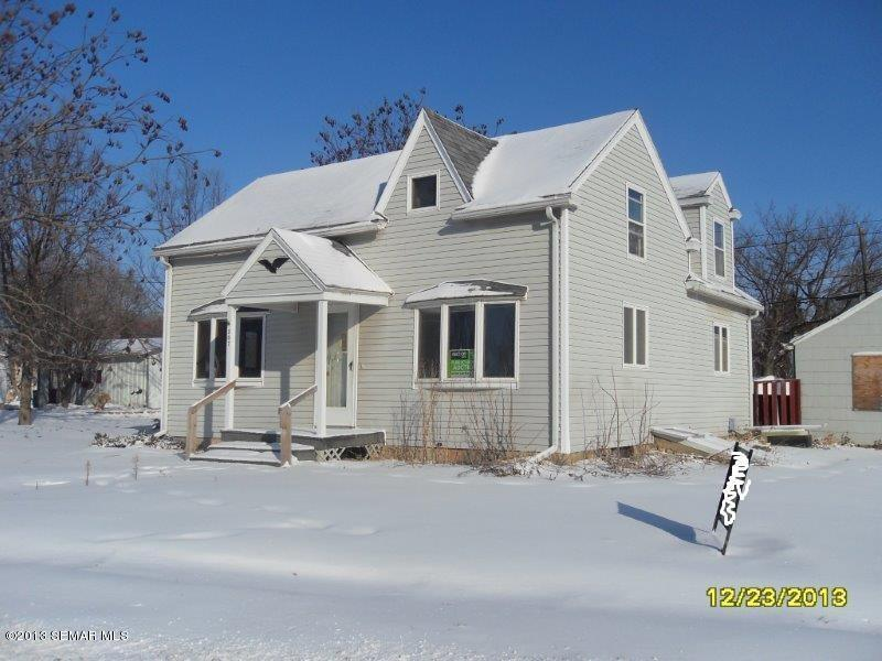 307 E Main St, Le Roy, MN 55951