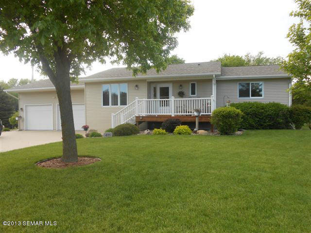 411 6th St NW, Adams, MN 55909