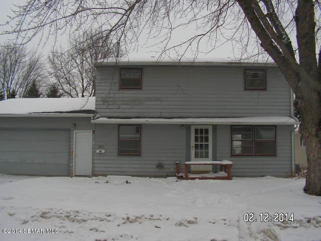 1913 Johnson St, Albert Lea, MN 56007