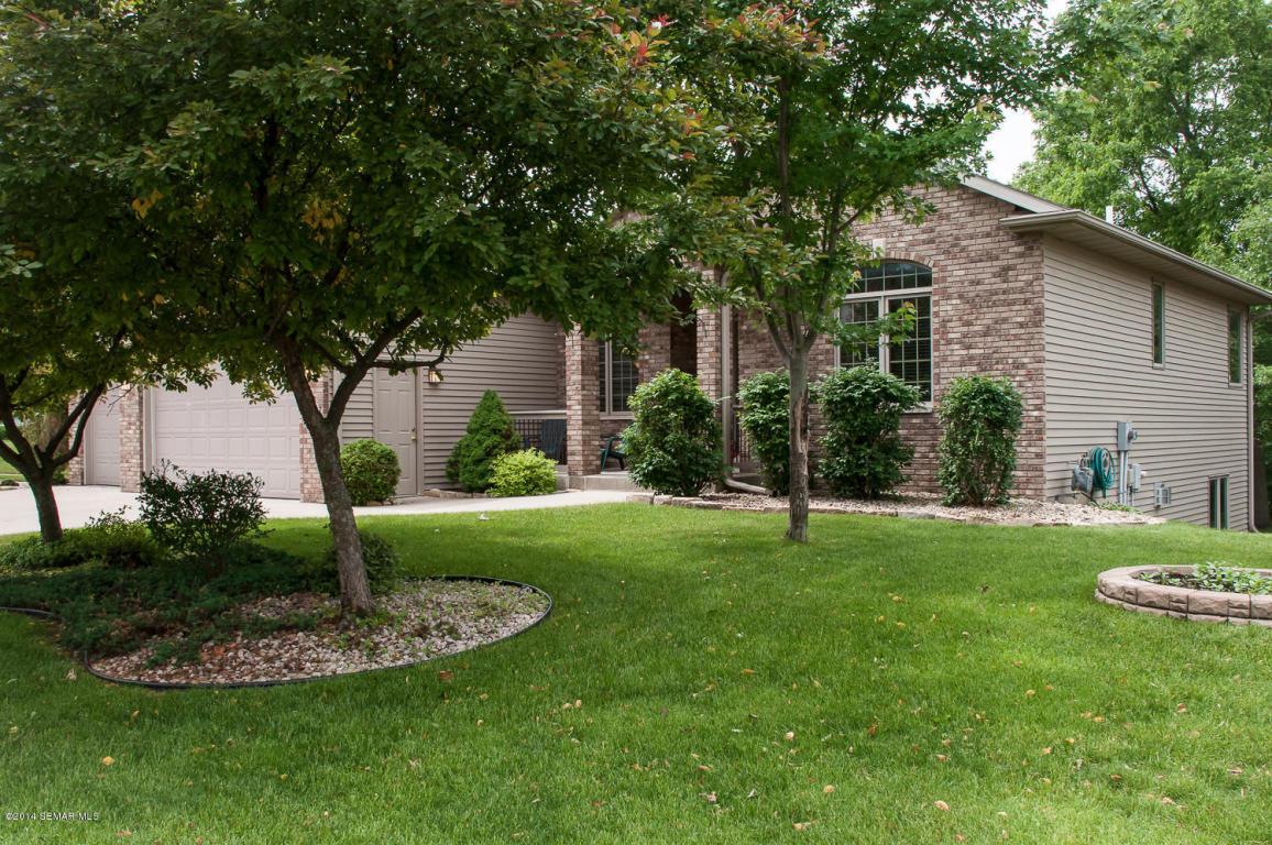 2030 Glendale Hills Dr Ne, Rochester, MN 55906
