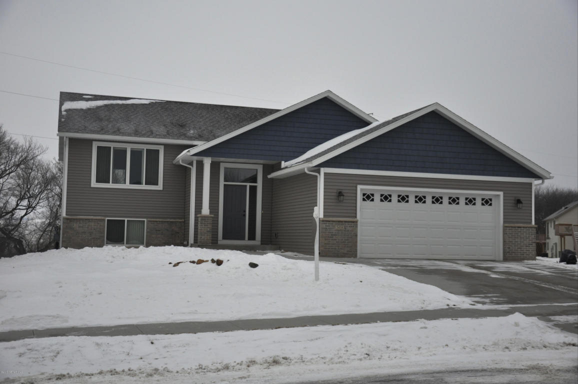 5458 Weatherstone Dr Nw, Rochester, MN 55901