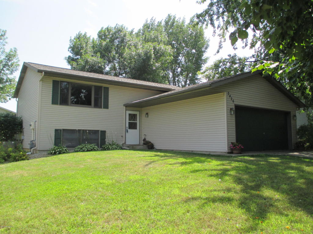 3426 9th Ave Nw, Rochester, MN 55901