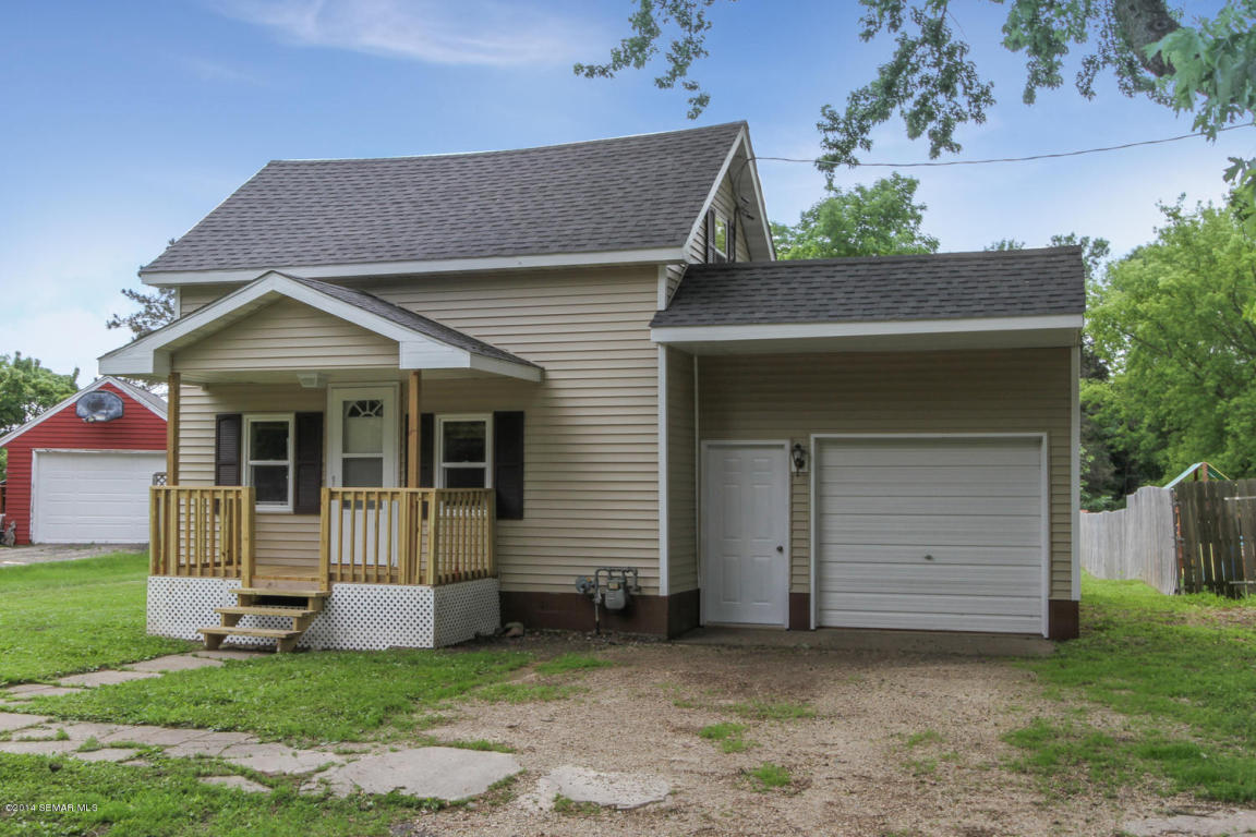 211 3rd St SE, Dodge Center, MN 55927