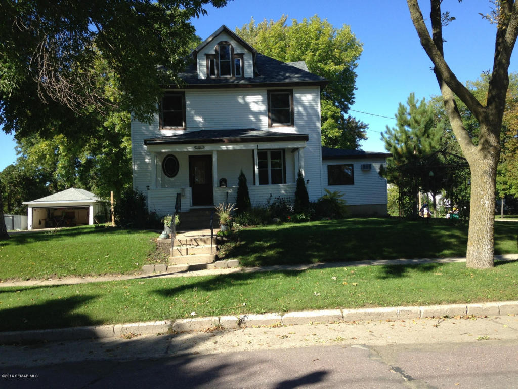 421 E 4th St, Albert Lea, MN 56007
