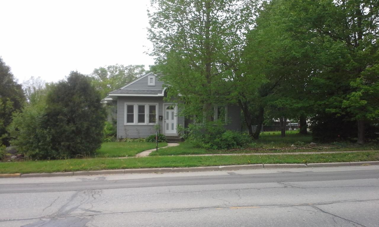 301 Mantorville Ave N, Kasson, MN 55944