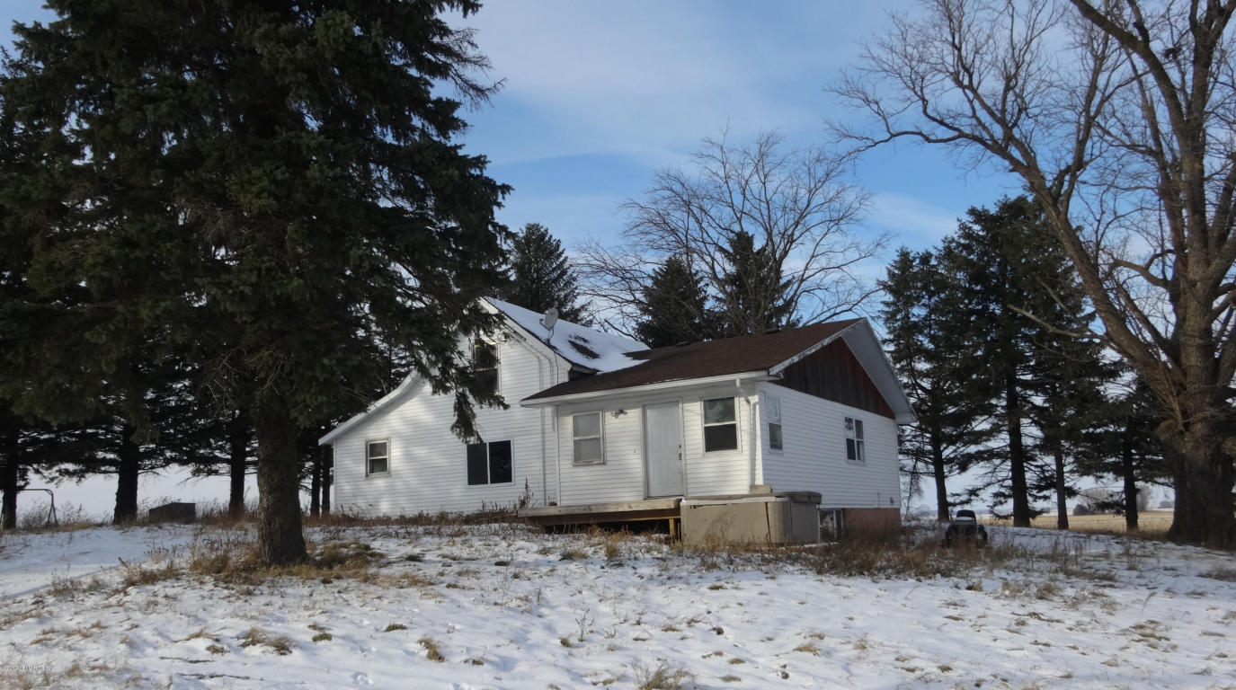 4.7 acres by Emmons, Minnesota for sale