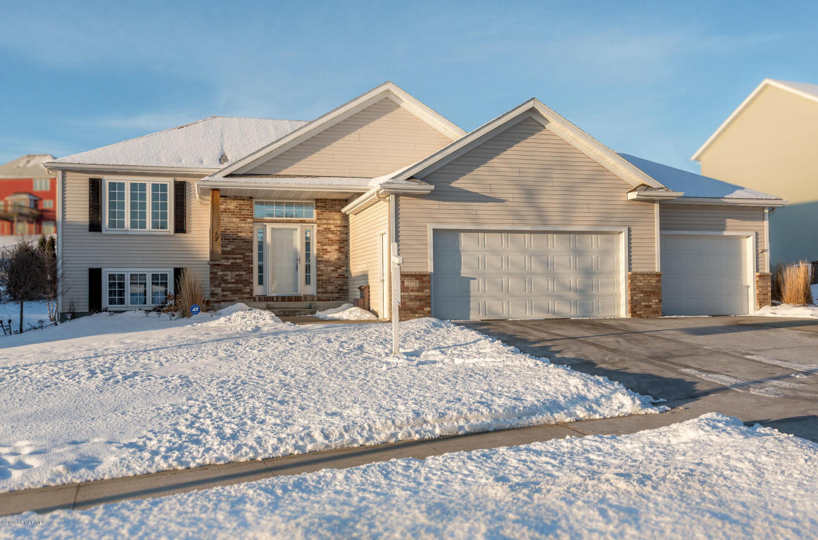 2574 Flagstone Ln Nw, Rochester, MN 55901