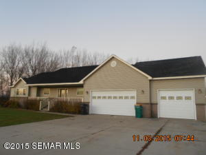 111 4th Pl SW, Geneva, MN 56035