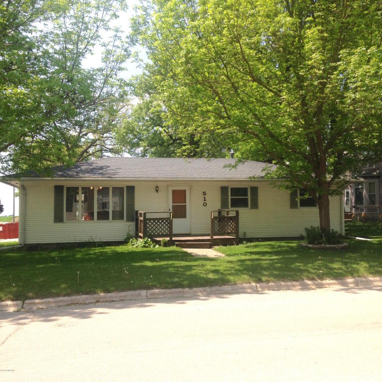 510 Main St, Emmons, MN 56029