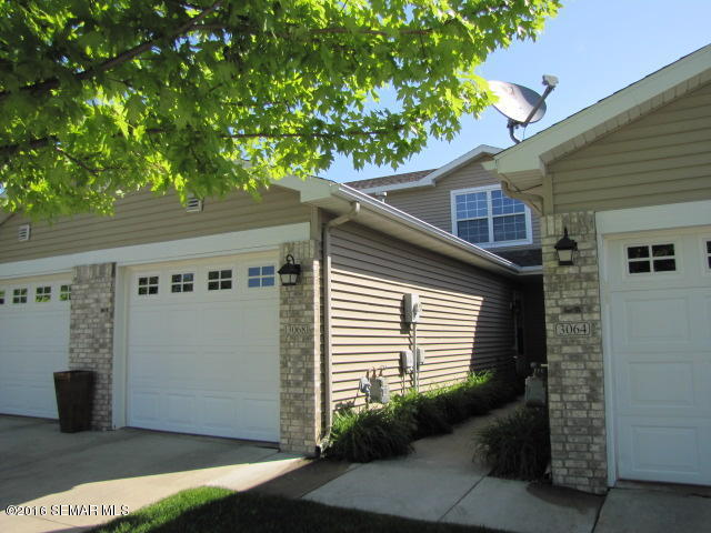 3068 River Falls Ct Nw, Rochester, MN 55901