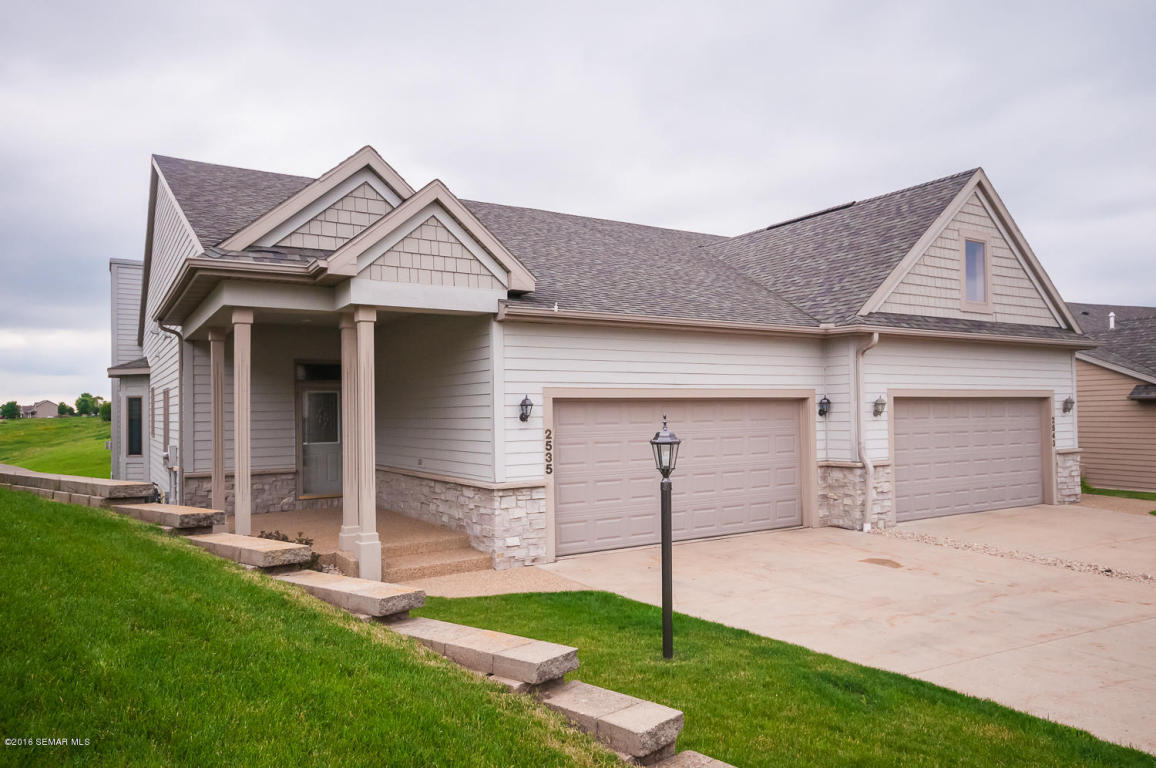 2535 Superior Lane NW, Rochester in Olmsted County, MN 55901 Home for Sale