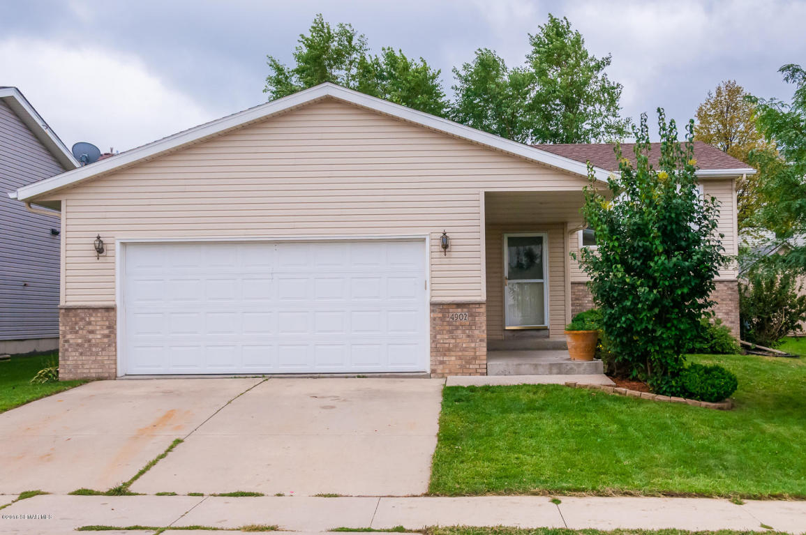 4902 10th St Nw, Rochester, MN 55901
