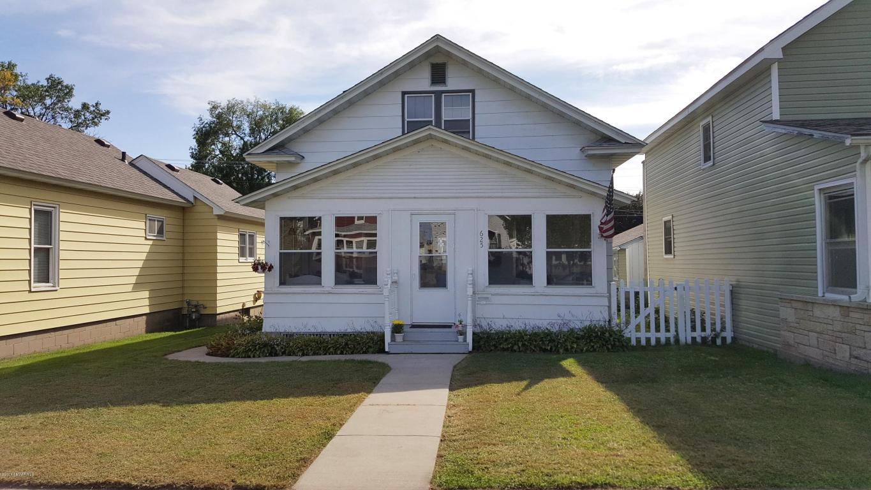 625 E Sanborn St, Winona, MN 55987