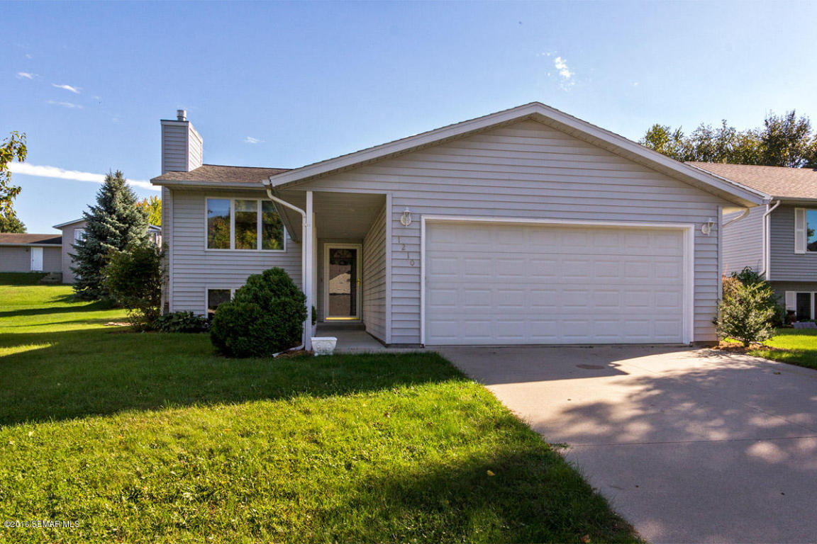 1210 36th St Sw, Rochester, MN 55902