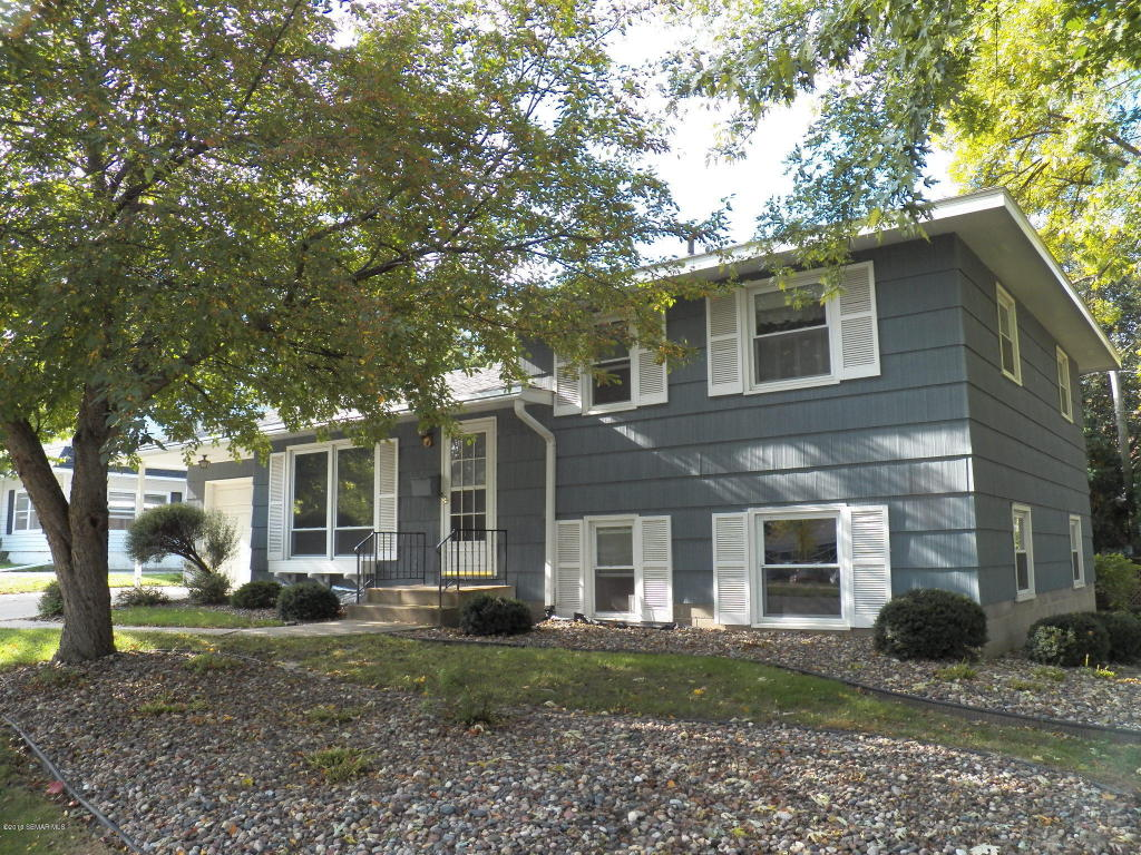 Photo of 2411 15th Avenue NW  Rochester  MN