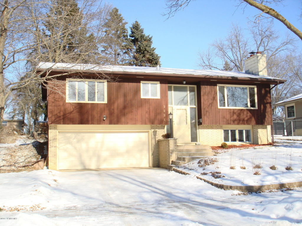 Photo of 2221 22nd Street NW  Rochester  MN