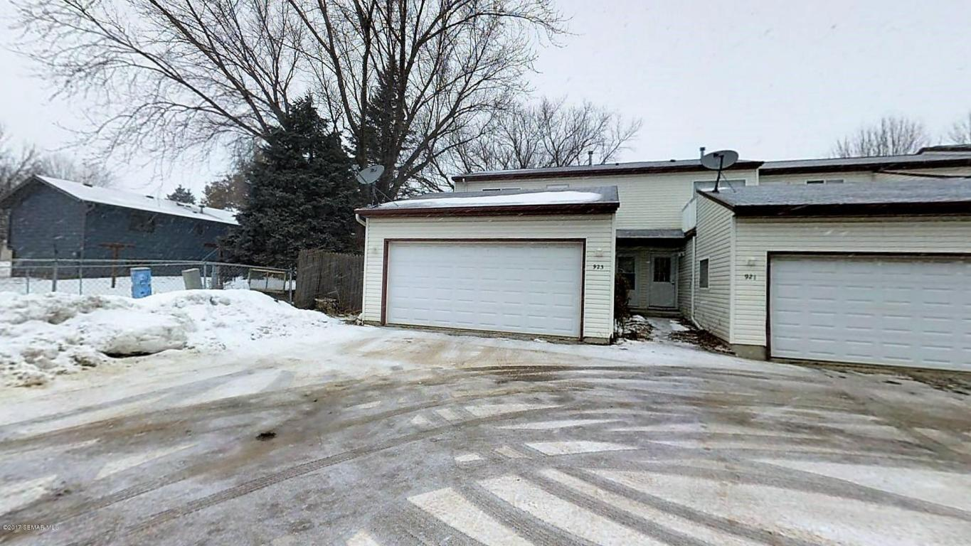 Photo of 923 40th Street NW  Rochester  MN