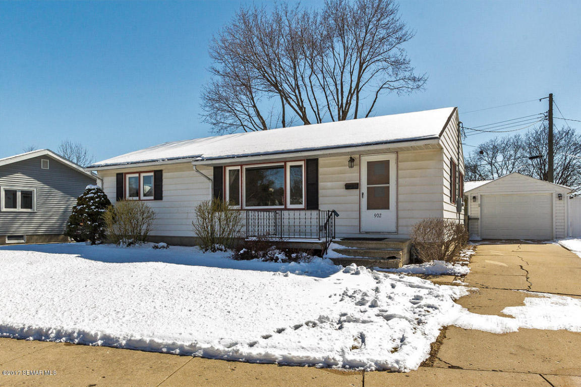 Photo of 902 Memorial Parkway SW  Rochester  MN