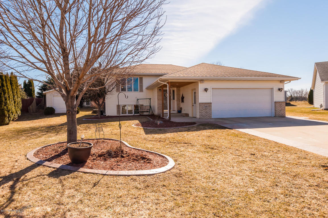 Photo of 220 6th Court NW  Elgin  MN