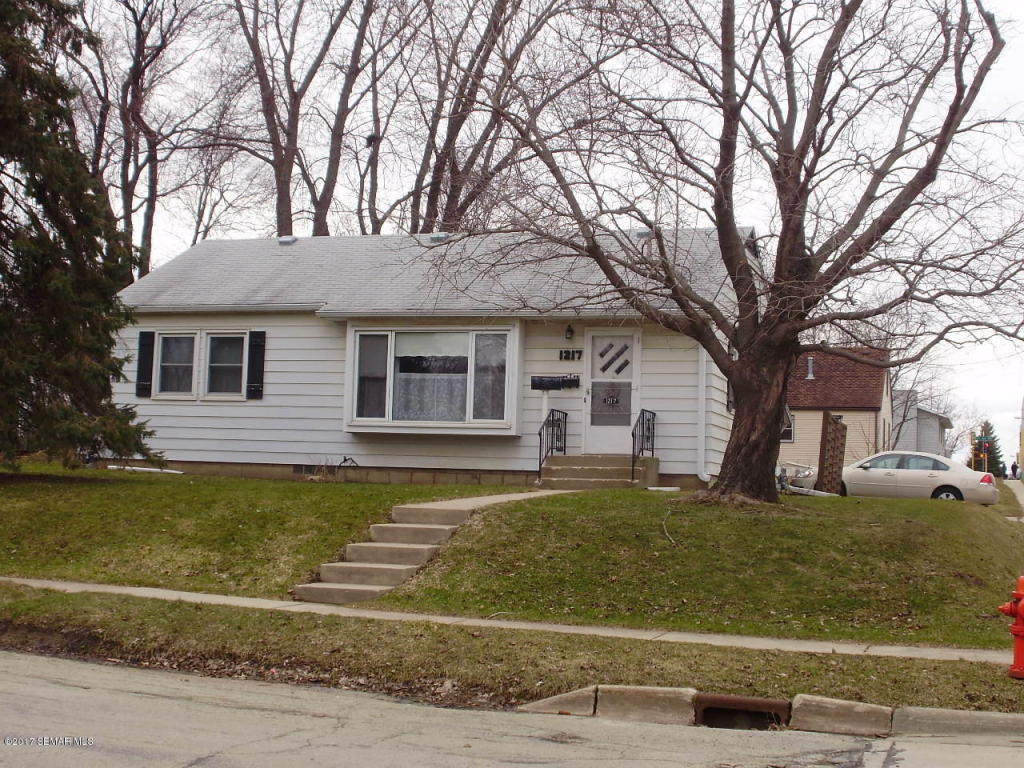 Photo of 1217 10th Avenue NW  Rochester  MN