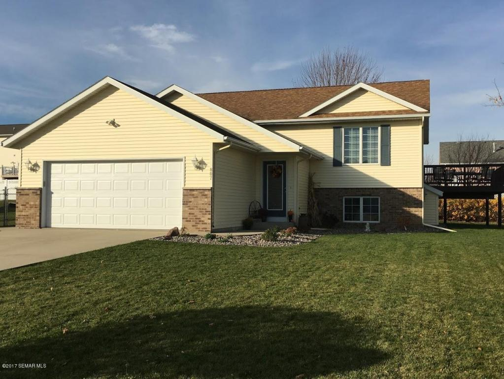 Photo of 807 7th Avenue NW  Byron  MN