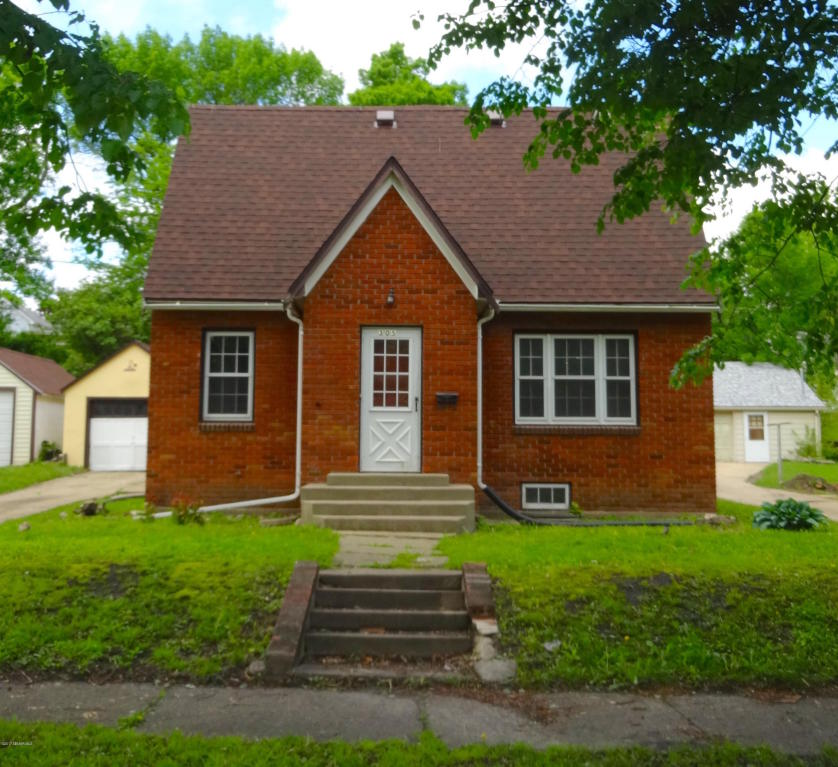 Photo of 305 E 6th Street  Albert Lea  MN