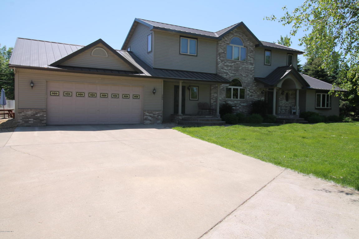 Photo of 205 2nd Avenue SW  Geneva  MN