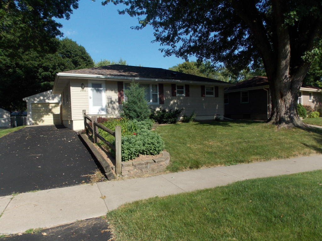 Photo of 2632 13th Avenue NW  Rochester  MN