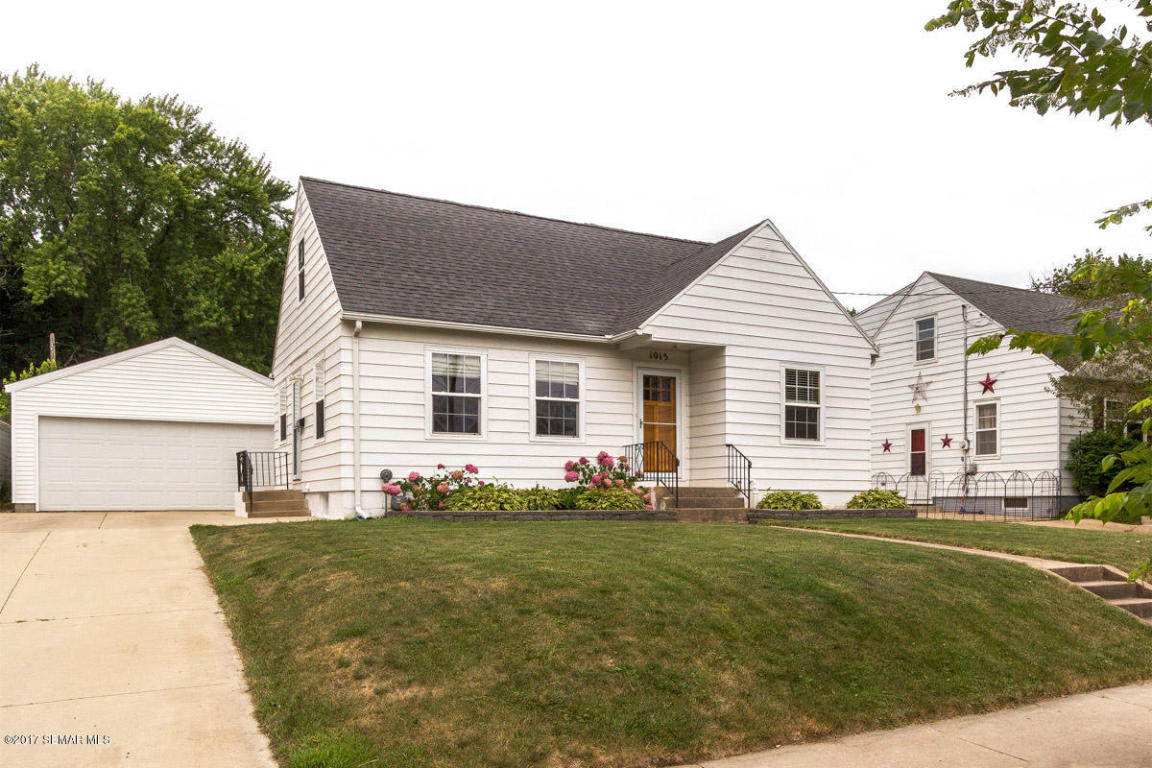 Photo of 1015 8th Avenue NW  Rochester  MN