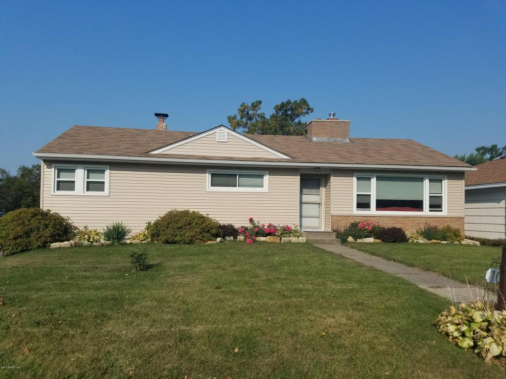 Photo of 1006 East Avenue  St Charles  MN