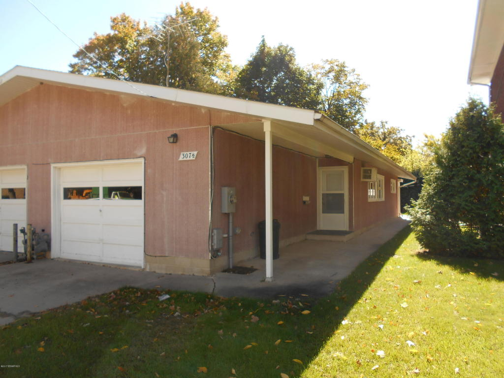 Single Story property for sale at 307 1/2 7th Place NW, Austin Minnesota 55912