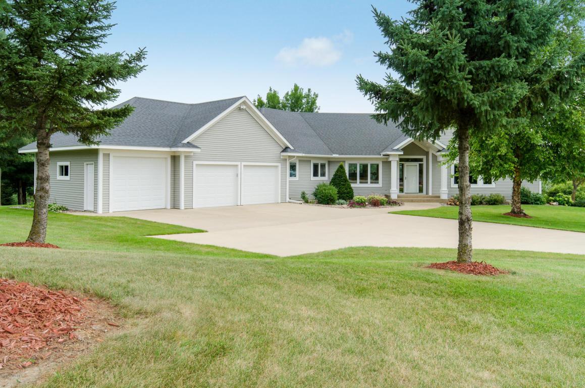 5074 Connemara Drive NE, Rochester, Minnesota